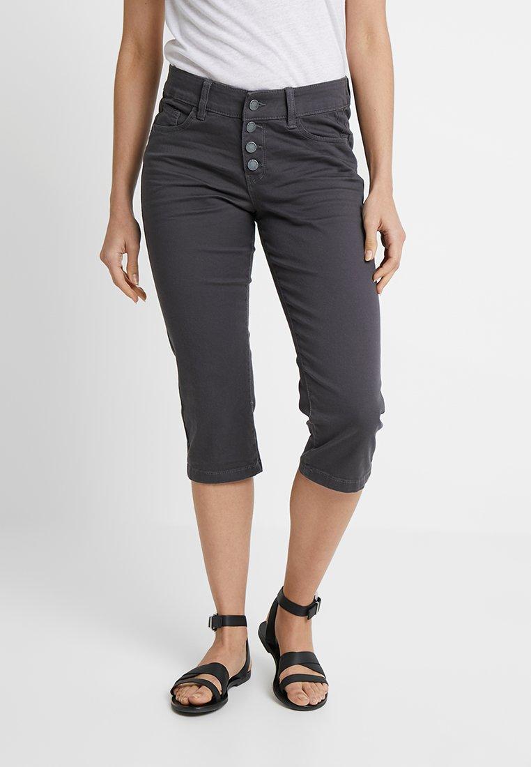 Q/S designed by - HOSE 3/4 - Jeans Shorts - asphalt