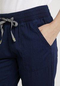 Q/S designed by - Shorts vaqueros - blue denim - 4