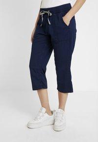 Q/S designed by - Shorts vaqueros - blue denim - 0