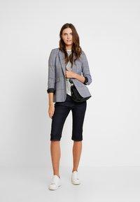 Q/S designed by - Shorts di jeans - blue denim - 1