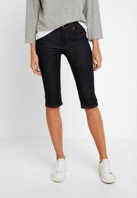 Q/S designed by - Shorts di jeans - blue denim - 0