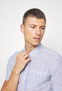 Q/S designed by - HEMD KURZARM - Formal shirt - white - 3