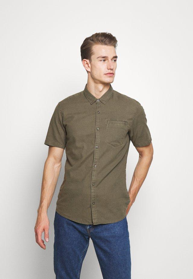 Skjorter - olive
