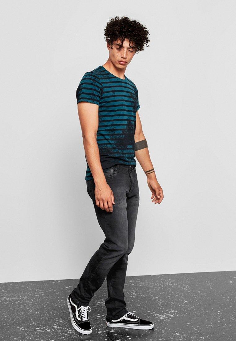Q/S designed by - Slim fit jeans - dark grey denim stretch