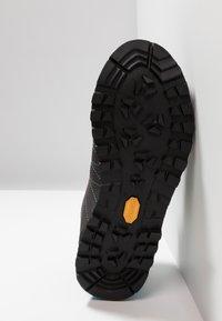 Scarpa - HIGHBALL   - Hiking shoes - shark/atoll - 4