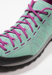 Scarpa - HIGHBALL   - Hiking shoes - reef water/fuxia - 5