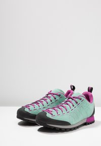 Scarpa - HIGHBALL   - Hiking shoes - reef water/fuxia - 2