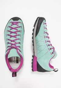 Scarpa - HIGHBALL   - Hiking shoes - reef water/fuxia - 1