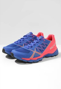 Scarpa - SPIN RS 8 - Trail running shoes - dazzling blue/punch fluo - 2
