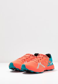 Scarpa - SPIN  - Trail running shoes - bright red/sea - 2