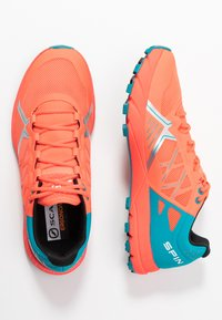 Scarpa - SPIN  - Trail running shoes - bright red/sea - 1