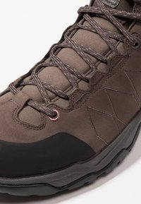 Scarpa - MORAINE PLUS MID GTX - Scarpa da hiking - charcoal/dark plum - 5