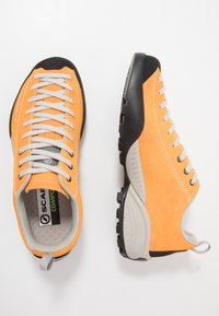 Scarpa - MOJITO - Climbing shoes - orange fluo - 1