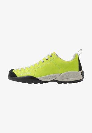 MOJITO - Climbing shoes - green fluo