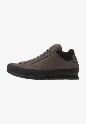 ASPEN GTX - Hiking shoes - graphite