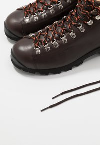 Scarpa - PRIMITIVE UNISEX - Hiking shoes - brown - 5
