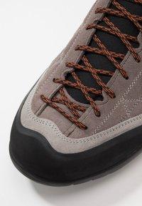 Scarpa - ZEN PRO - Hiking shoes - charcoal/tonic - 5