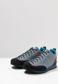 Scarpa - CRUX AIR - Walking trainers - smoke/lake blue - 2