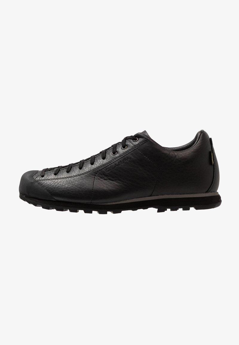 Scarpa - MOJITO BASIC GTX - Climbing shoes - black