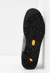 Scarpa - KALIPÈ - Hiking shoes - smoke/green fluo - 4