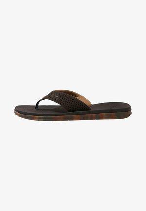 HALEIWA PLUS - Slippers - brown