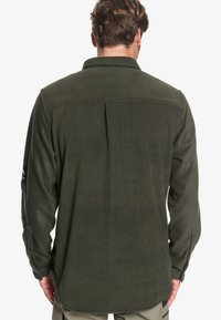 Quiksilver - WATERMAN OCEAN EXPEDITION  - Shirt - forest night - 2