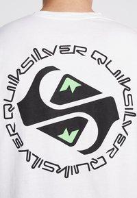 Quiksilver - OMNI LOGO TEE - Printtipaita - white - 6