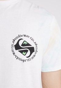 Quiksilver - OMNI LOGO TEE - Printtipaita - white - 4