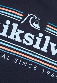 Quiksilver - GETBUZZYSS TEES - T-shirt print - sky captain - 5