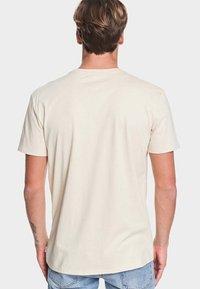 Quiksilver - MULTIPLY  - T-Shirt print - brazilian sand - 2