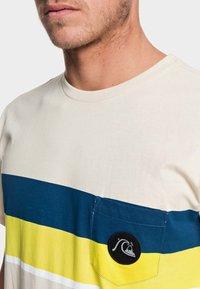 Quiksilver - MULTIPLY  - T-Shirt print - brazilian sand - 3