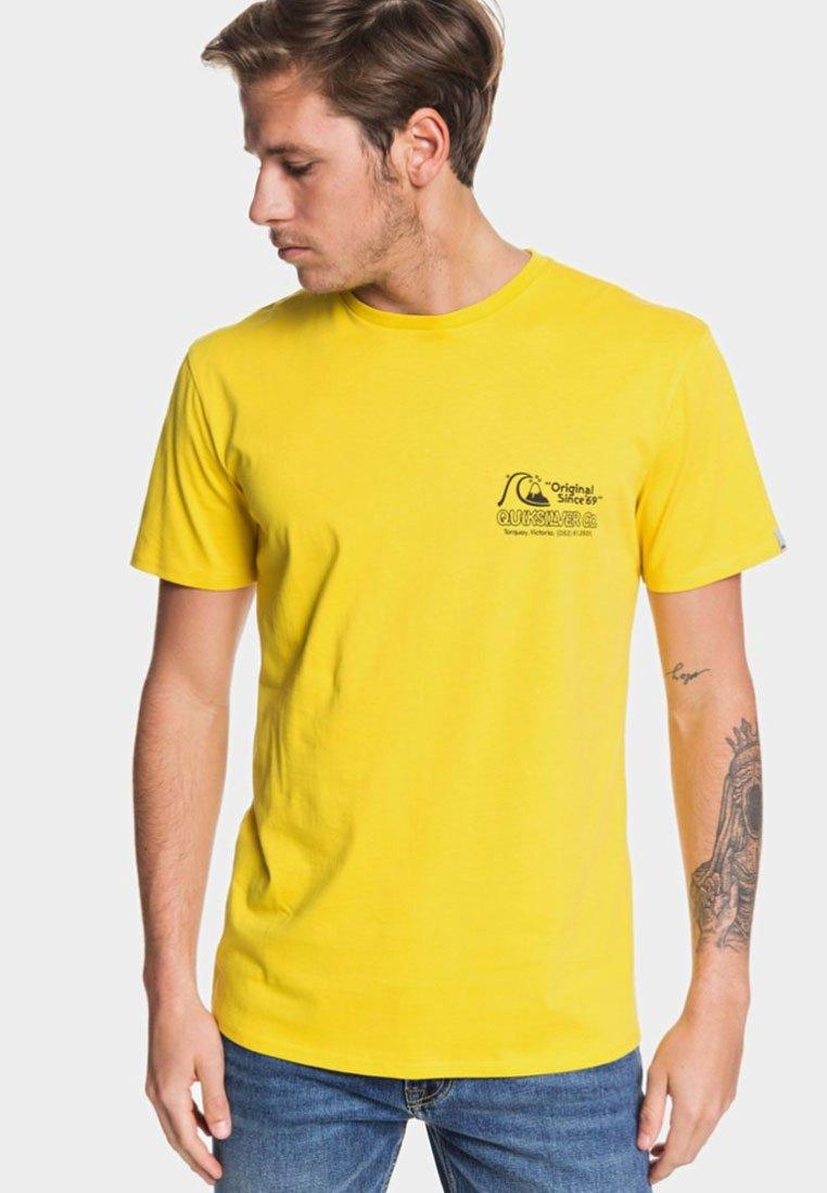 Quiksilver - DAILY WAX - T-Shirt print - sulfur