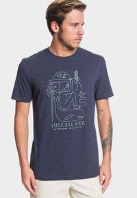 Quiksilver - VIBES ALIVE - Print T-shirt - parisian - 0