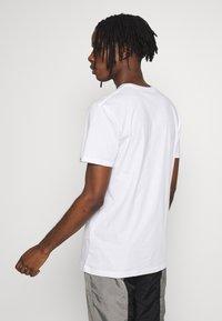 Quiksilver - COMPLOGOSS - Camiseta estampada - white - 2