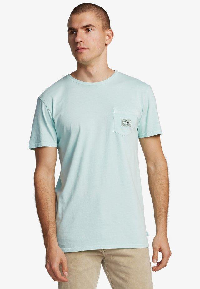 QUIKSILVER™ SUB MISSION - TASCHEN-T-SHIRT FÜR MÄNNER EQYZT05804 - Basic T-shirt - beach glass