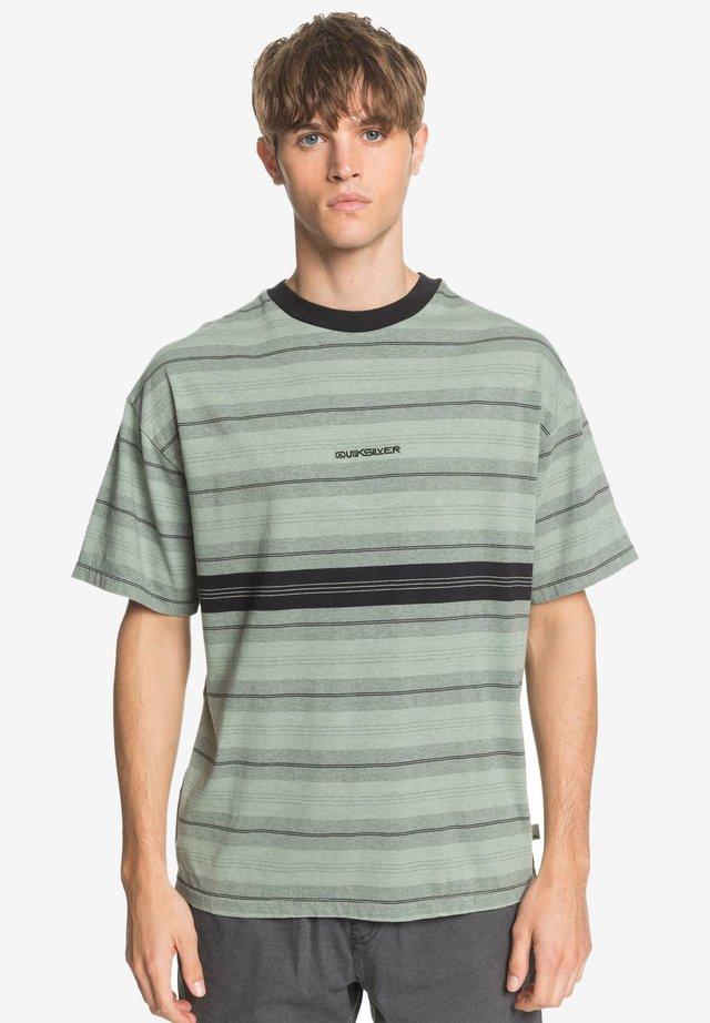 BACK ON - Print T-shirt - green