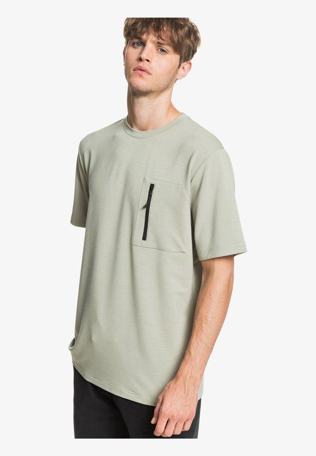 QUIKSILVER™ WATERMAN OPEN OCEAN - TASCHEN-T-SHIRT FÜR MÄNNER EQM - Print T-shirt - seagrass