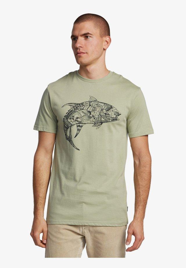 QUIKSILVER™ WATERMAN TATTOO TUNA - T-SHIRT FÜR MÄNNER EQMZT03206 - T-Shirt print - seagrass