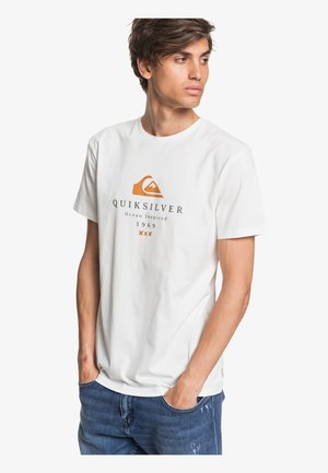 FIRST FIRE - Print T-shirt - snow white
