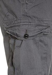 Quiksilver - CRUCIAL BATTLE YOUTH - Pantalon cargo - quiet shade - 3
