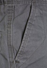 Quiksilver - CRUCIAL BATTLE YOUTH - Pantalon cargo - quiet shade - 2