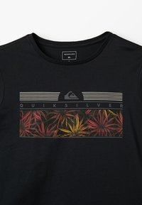 Quiksilver - THE JUNGLE YOUTH - Print T-shirt - black - 3