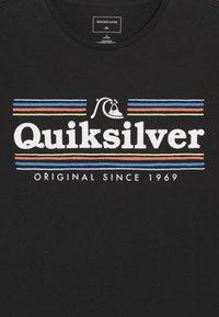 Quiksilver - GET BUZZY  - T-shirt imprimé - black - 4