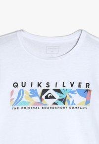 Quiksilver - DISTANT FORTUNE - T-shirt imprimé - white - 4