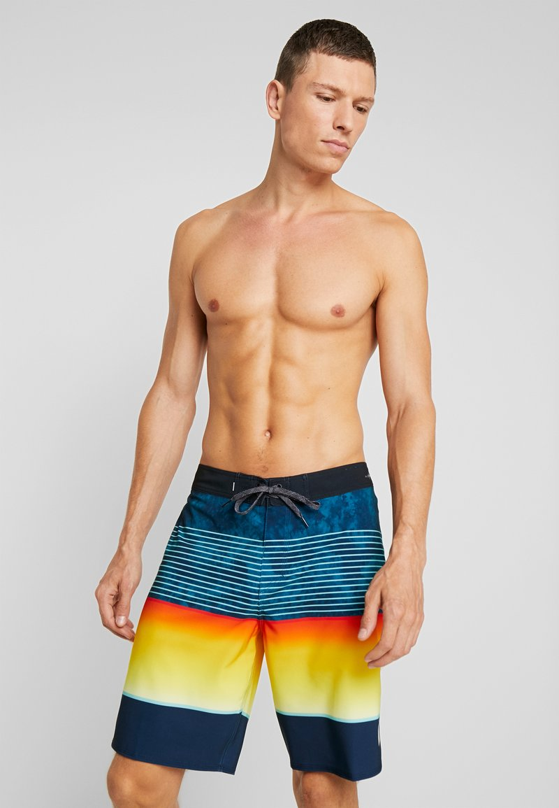 Quiksilver - HIGHLINE SLAB  - Swimming shorts - crystal teal