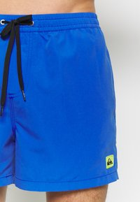 Quiksilver - EVERYDAY VOLLEY - Shorts da mare - dazzling blue - 2