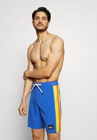 Quiksilver - HIGHLINE ARCH  - Pantaloncini sportivi - dazzling blue - 0