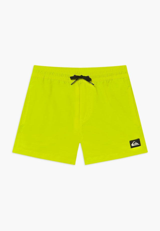 EVERYDAY VOLLEY YOUTH - Shorts da mare - safety yellow