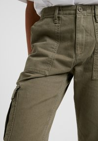 BDG Urban Outfitters - AUTHENTIC CARGO PANT - Trousers - khaki - 4