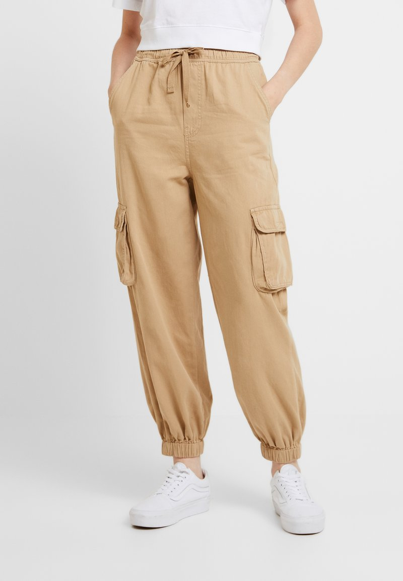 BDG Urban Outfitters - BAGGY RAFF TROUSER - Trousers - ecru